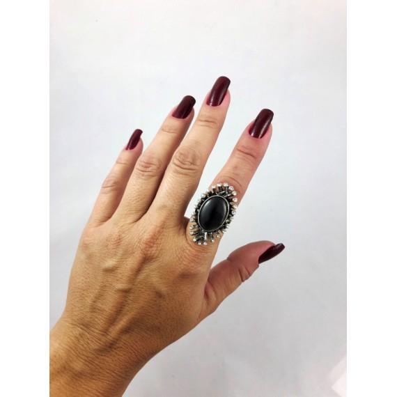 Anel Modelo 19 (Oval metal strass e pedra preta - Tamanho 19)